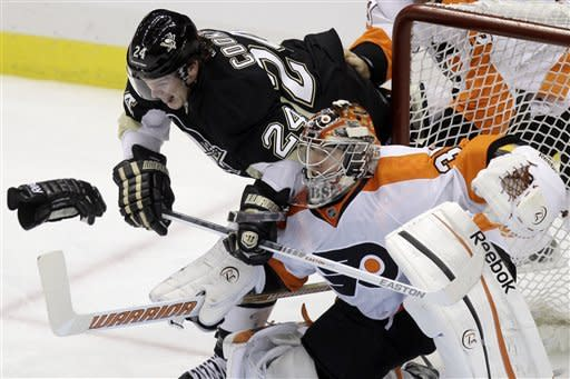 Malkin scores 50th, Penguins beat Flyers 4-2