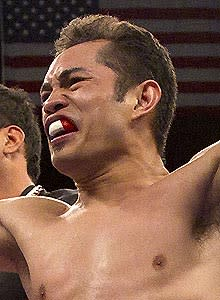 Top Rank chief plans bonus for next Donaire fight