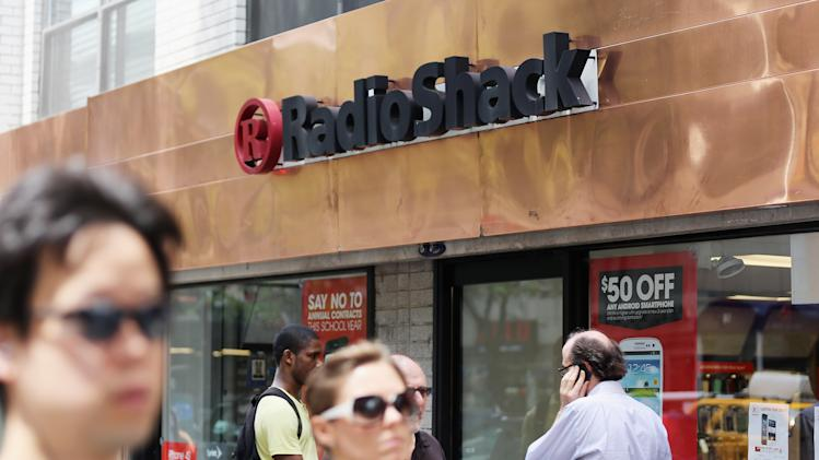 RadioShack Hit With Ratings Downgrade, Suspends Dividend After Poor Q2 Earnings