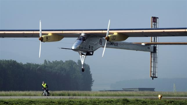 Solar-powered airplane embarks on first transcontinental flight