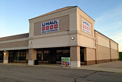 Spring Hill Mall Welcomes U-Haul Moving and Storage of Spring Hill