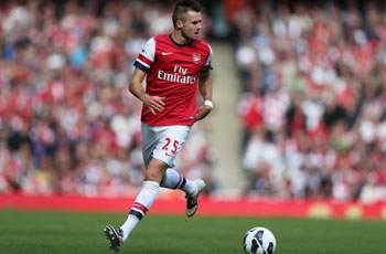 Arsenal defender Jenkinson trains with England squad
