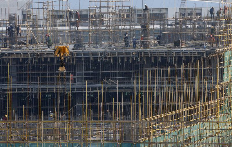 China revises up size of 2013 economy, sees no effect on 2014 growth
