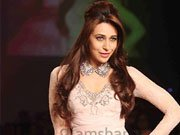 Lakme Fashion Week 2013:Revisiting Karisma Kapoor's glamourous avatar