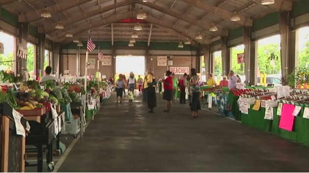 Farmers markets get money to take food stamps