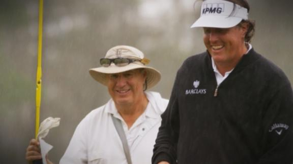Mickelson playing for charity