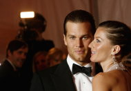 Tom Brady e Gisele Bundchen, la coppia pi cliccata del Superbowl (Foto AP/LaPresse)