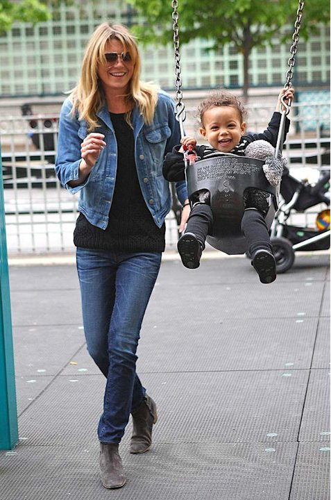 Ellen Pompeo At Park With Stella