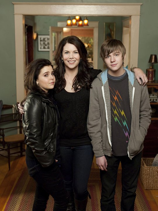"Mae Whitman as Amber Holt, Lauren Graham as Sarah Braverman, and Miles Heizer as Drew Holt in ""Parenthood."""