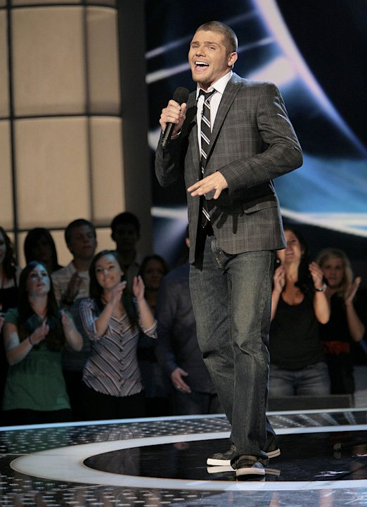 Chris Richardson performs in front of the judges on 6th season of American Idol.