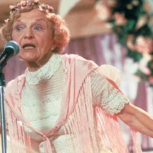 'Wedding Singer' rapping grandma dies