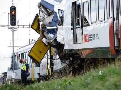 Raw: Dozens Injured in Swiss Train Crash