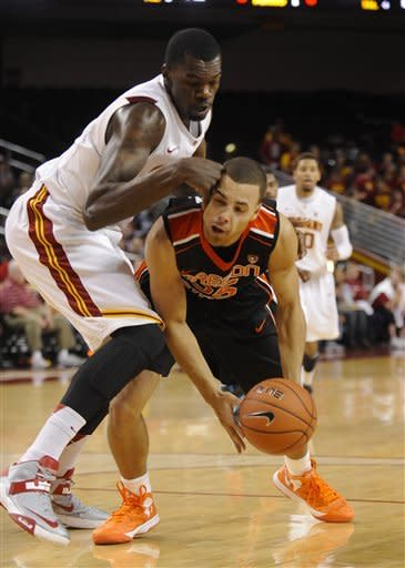 Late layup lifts USC over Oregon State 69-68