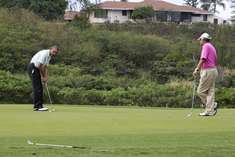 Obama Apologizes For Forcing Soldiers To Move Their Wedding in Hawaii For His Golf Game