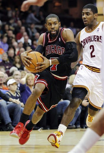 Bulls coast without Rose, embarrass Cavs 114-75