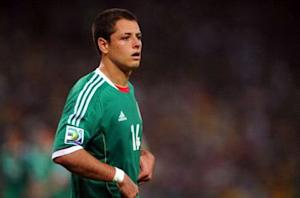 Chicharito leaves Mexico game with injury
