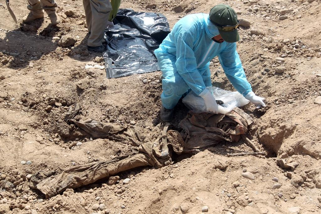 Iraq 'exhumed 470 bodies from Tikrit mass graves'