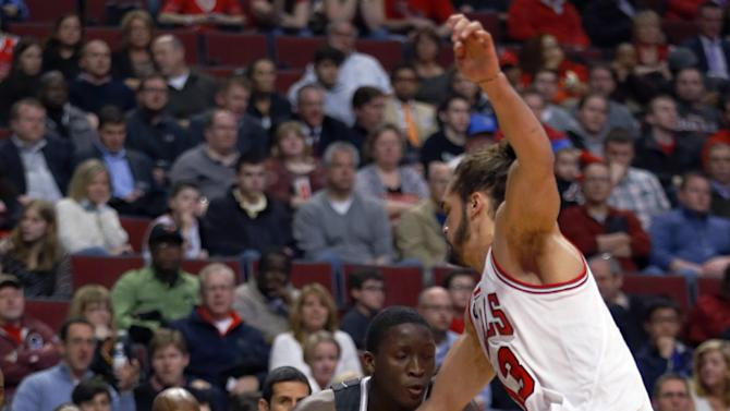 Noah leads Bulls to 108-95 win over Magic