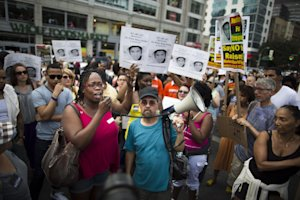 Demonstrators converge on Union Square in New York …