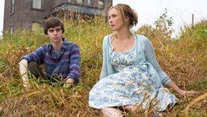 'Bates Motel's' Carlton Cuse, Kerry Ehrin on the 'Psycho' Appeal, Lessons From 'Lost,' 'FNL'