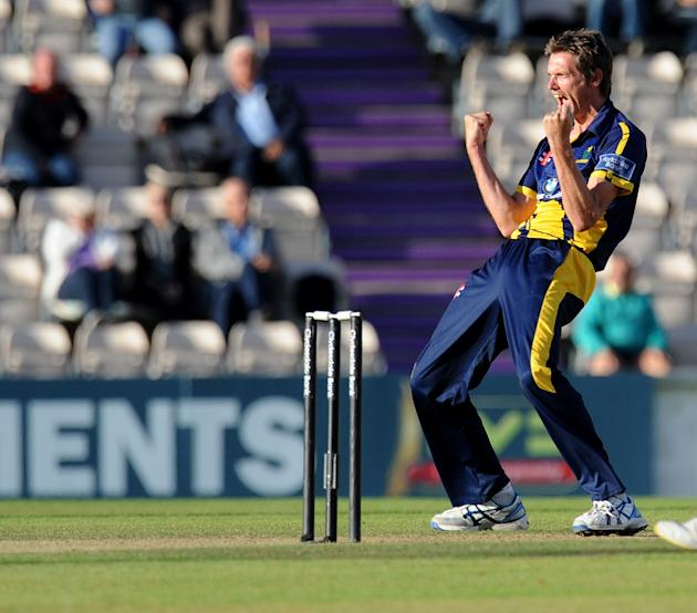 Cricket - Clydesdale Bank Pro40 Semi Final - Hampshire v Glamorgan - Ageas Bowl