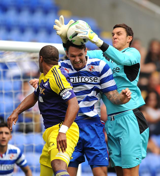 Soccer - Pre-Season Friendly - Reading v Swansea City - Madejski Stadium