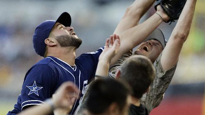 McCarthy's strong outing lifts D'Backs over Padres