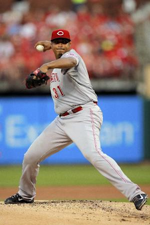 Cardinals beat Reds on bases-loaded HBP in 9th