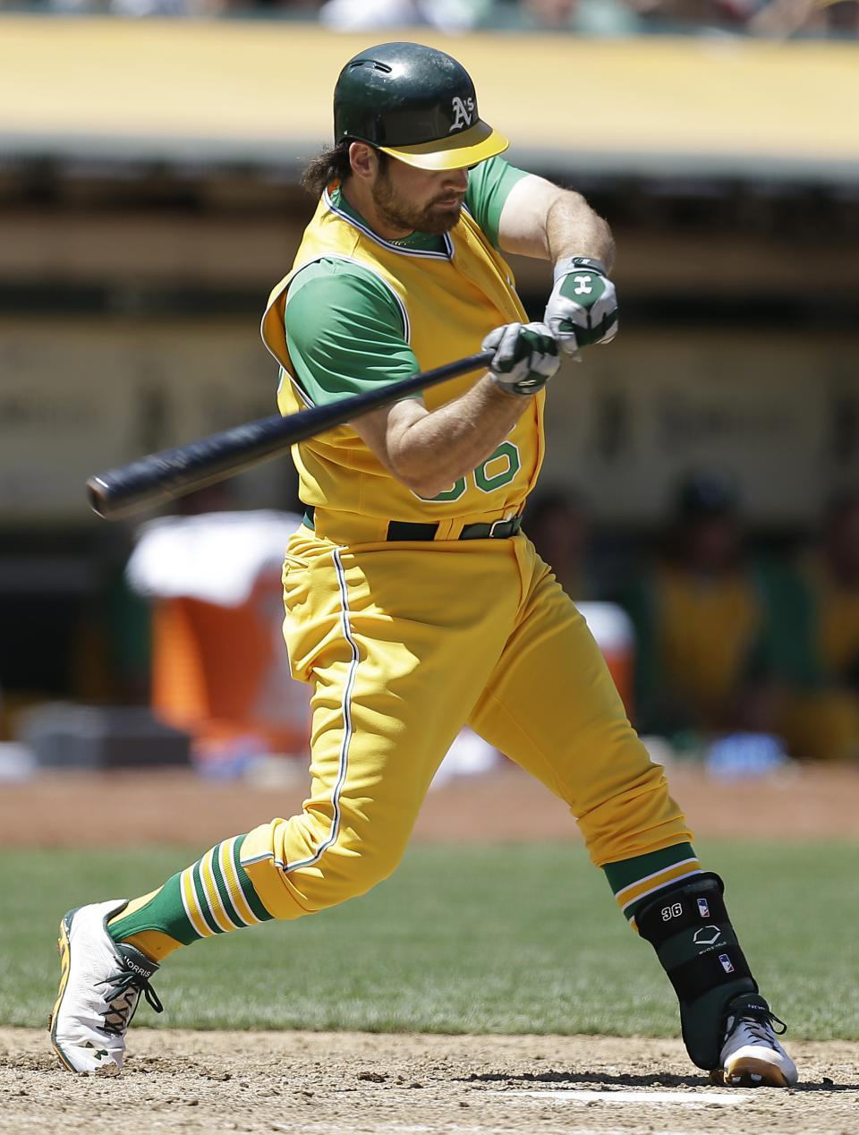 Norris hits 2-run HR in A's 3-1 win over Angels