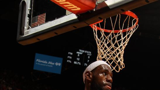 LeBron scores 30, Heat roll past Jazz 117-94