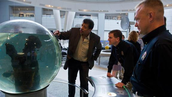 Astrophysicist Neil deGrasse Tyson Joins Twitterati with 1 Million Followers