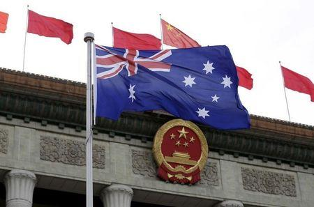 Australia must choose between United States and China: U.S. Army official