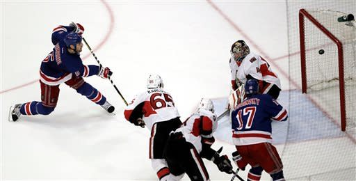 Rangers hold off Senators in Game 7, 2-1