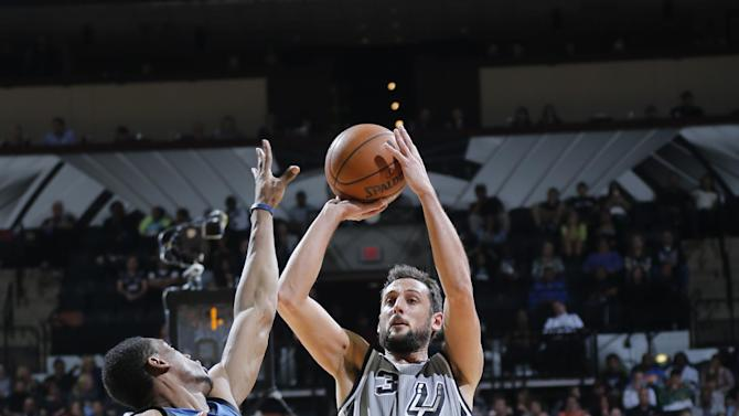 Spurs roll to 123-101 win over Timberwolves