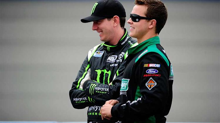 Kyle Busch wins pole