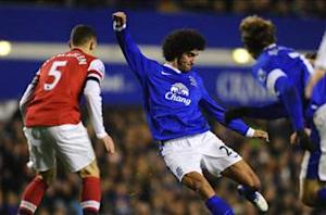 Everton boss Moyes urges Fellaini to calm temper