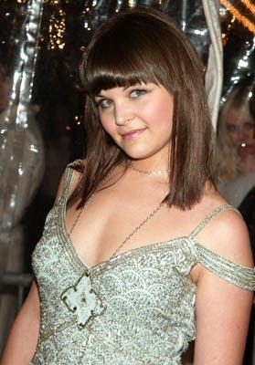 Premiere: Ginnifer Goodwin at the New York premiere of Revolution's Mona Lisa Smile - 12/10/2003