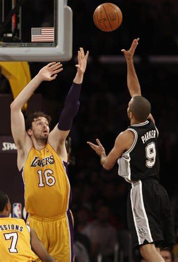 Spurs rout Lakers, improve spot atop West