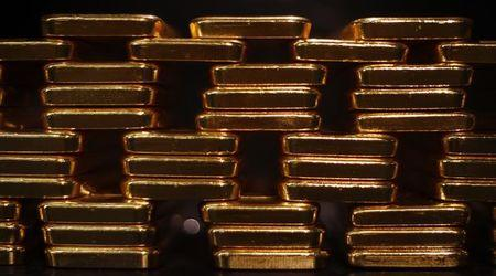 Gold set for 2nd monthly loss as U.S. rate hike eyed