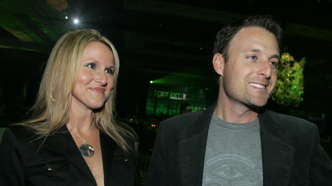 """FILE - In this Saturday, May 26, 2007 file photo, Television personality Chris Harrison, right, and his wife Gwen arrive for the 10th annual Tiger Jam at the Mandalay Bay in Las Vegas.  A spokesperson for """"The Bachelor"""" host Chris Harrison and his wife, Gwen, said on Thursday, May 3, 2012, that they are ending their 18-year marriage.  (AP Photo/Jae C. Hong, File)"""