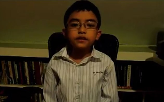 "<p>Daniel ""Chip"" Gatmaytan, 9, said voters should challenge candidates in the 2013 polls to take a stand against soda sold in school canteens. (Photo screen grabbed from Chip's YouTube video)</p>"