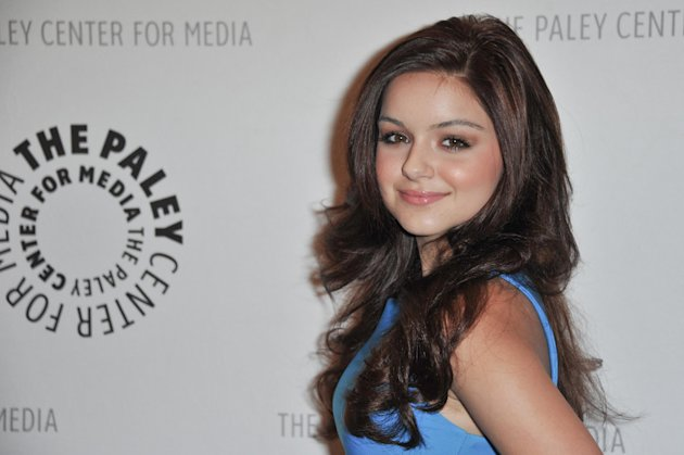 FILE - In this Sept. 24, 2012 file photo, Ariel Winter attends the World Premiere of &quot;Batman: The Dark Knight Returns Part 1&quot; at The Paley Center for Media, in Beverly Hills, Calif. Court records show a judge in Oct. 2012 stripped Winter&#39;s mother of custody temporarily amid allegations she has been physically and emotionally abusive to the 14-year-old &quot;Modern Family&quot; star. (Photo by Richard Shotwell/Invision/AP, File)