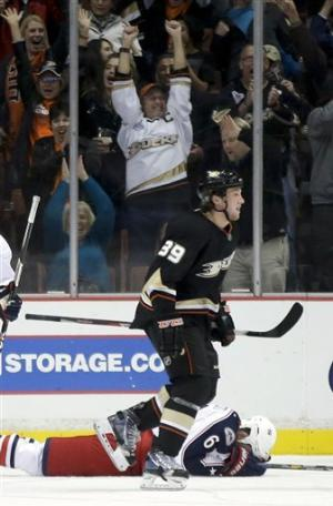 Ducks beat Blue Jackets 3-2 for 5th straight win