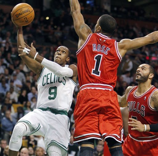 Rose scores 25 on return, Bulls top Celtics 88-79