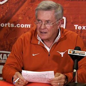 Mack Brown steps down at Texas