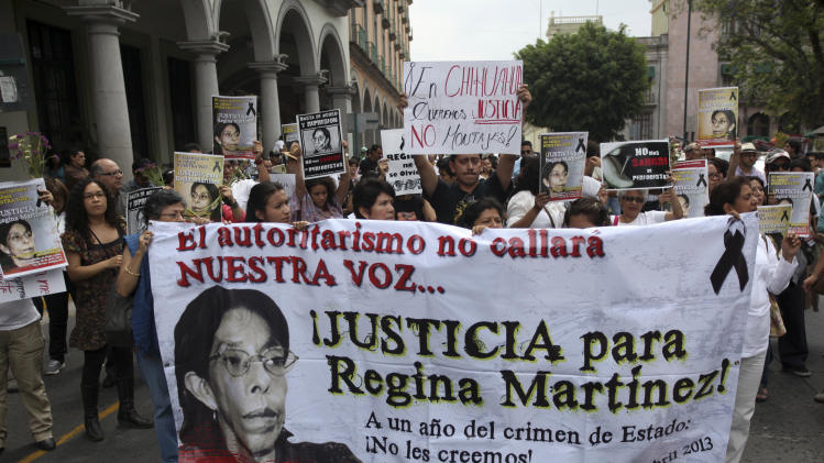 Mexican journalists march against attacks on press