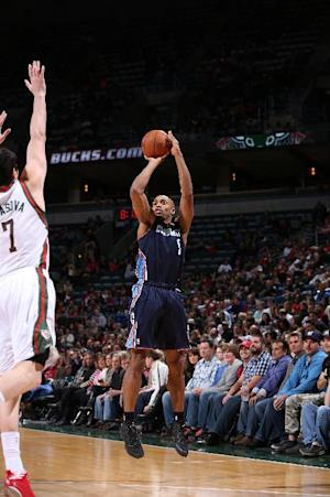 Jefferson leads Bobcats to 96-72 rout of Bucks