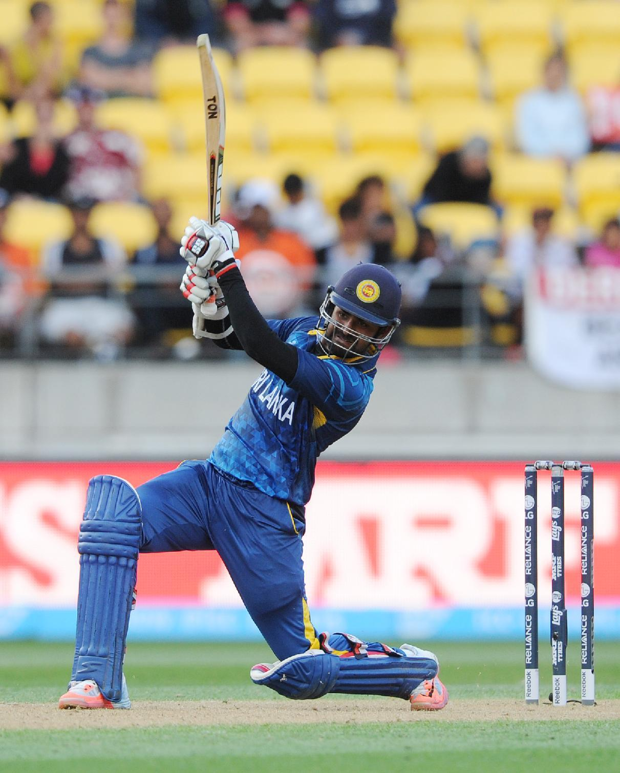 Sri Lanka beats England by 9 wickets in World Cup match