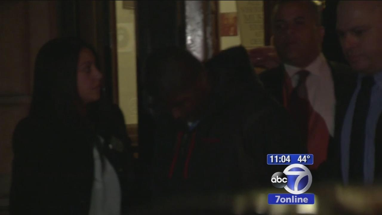 15-year-old fights off would-be rapist in Bronx apartment building, teen suspect arrested