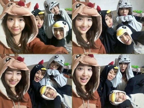 SISTAR members reveal new photos of themselves